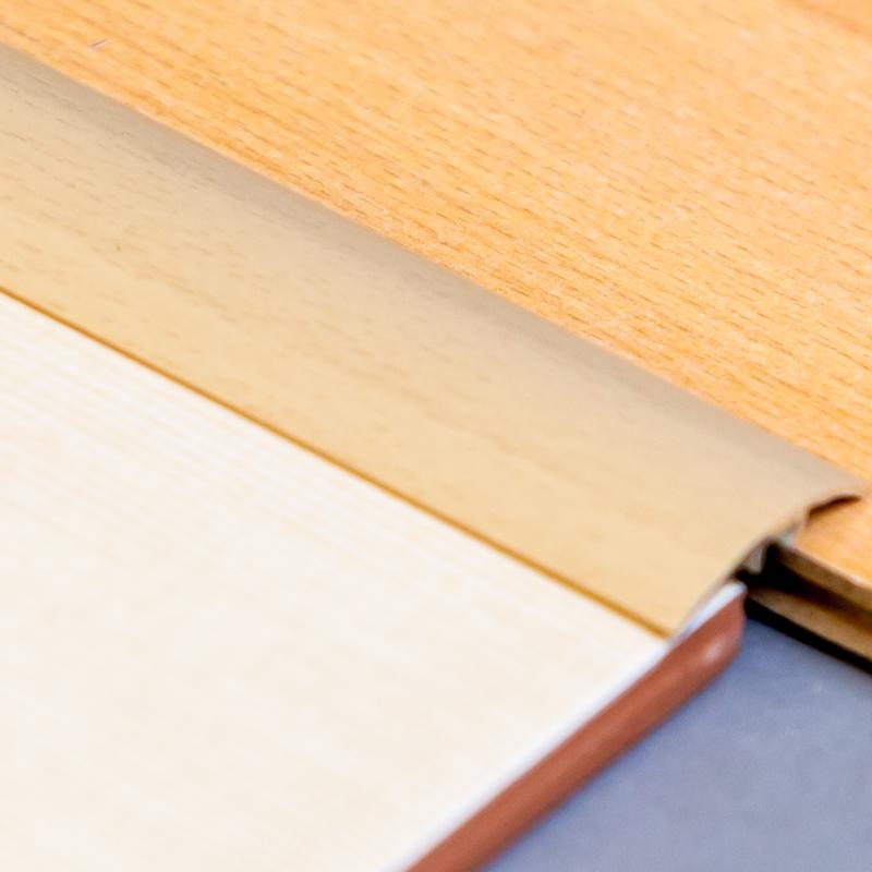 Profil de trecere din aluminiu pentru pardoseli 2700 mm - 40 mm 8008000072